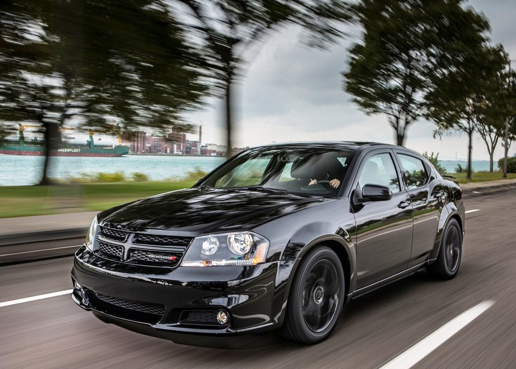 2013 Dodge Avenger Blacktop Edition Front Angle (Photo 2 of 3)