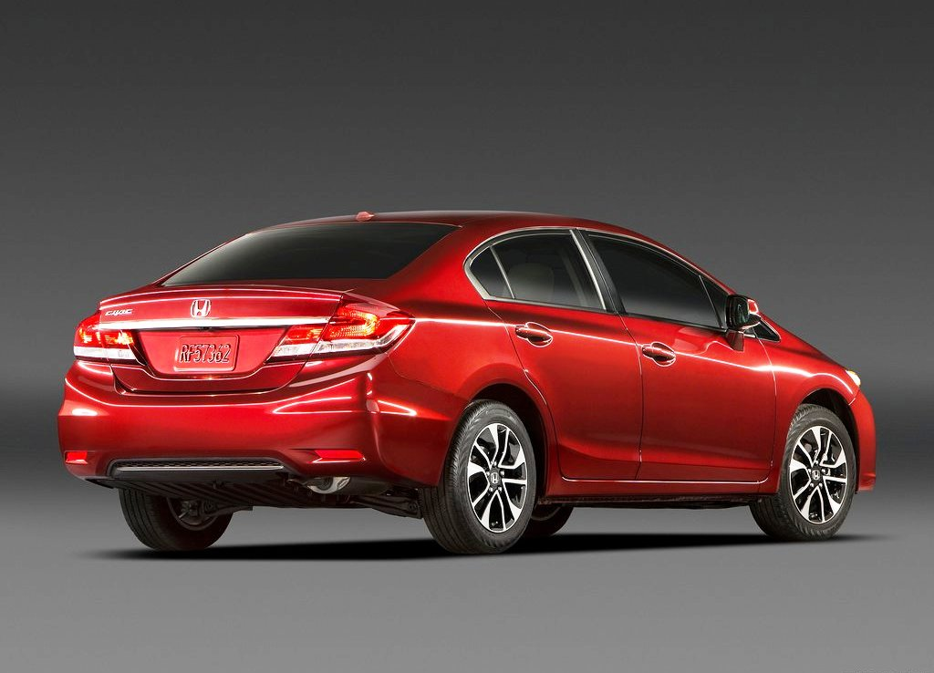2013 Honda Civic Sedan Rear Angle (Photo 5 of 8)