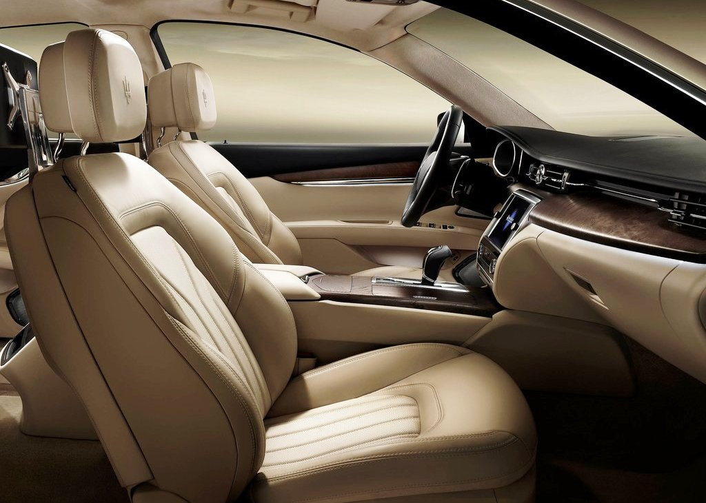2013 Maserati Quattroporte Inside (Photo 3 of 6)