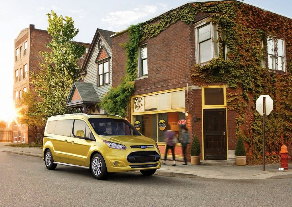 2014 Ford Transit Connect Wagon Front Angle (Photo 2 of 5)