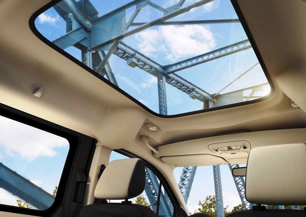 2014 Ford Transit Connect Wagon Sun Roof (Photo 5 of 5)