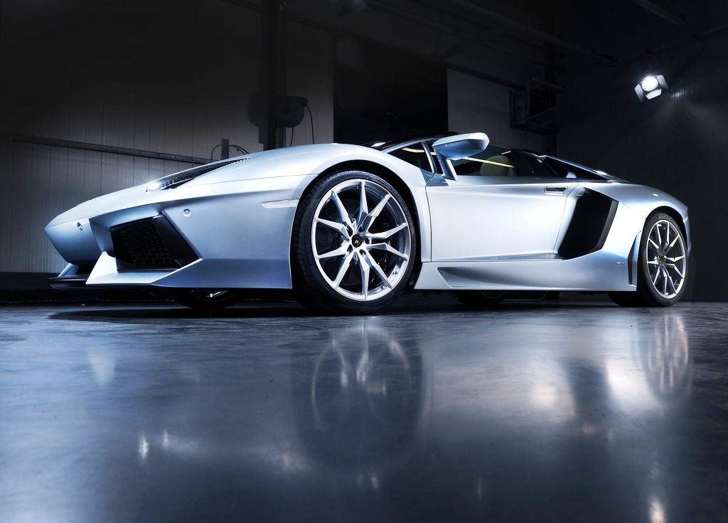 2014 Lamborghini Aventador LP700 4 Roadster Front Angle (View 1 of 5)