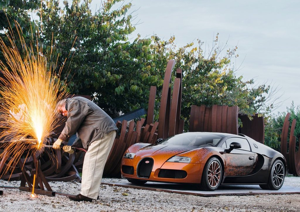 2012 Bugatti Veyron Grand Sport Bernar Venet Front Angle (Photo 2 of 6)