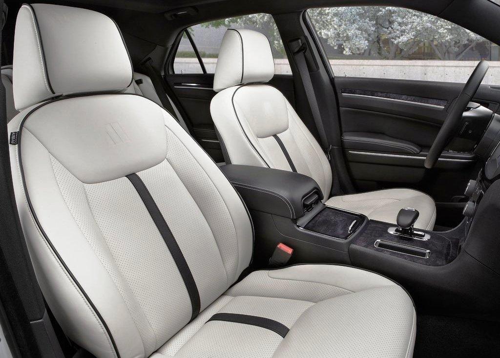 2013 Chrysler 300 Motown Inside (View 3 of 7)