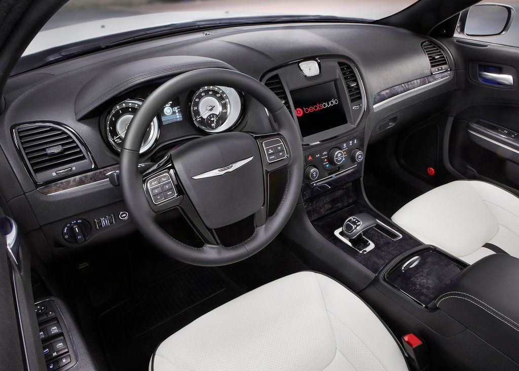 2013 Chrysler 300 Motown Interior (Photo 5 of 7)