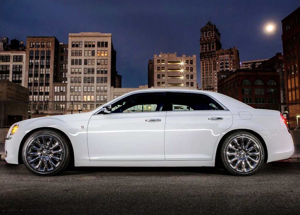 2013 Chrysler 300 Motown Side View (View 6 of 7)