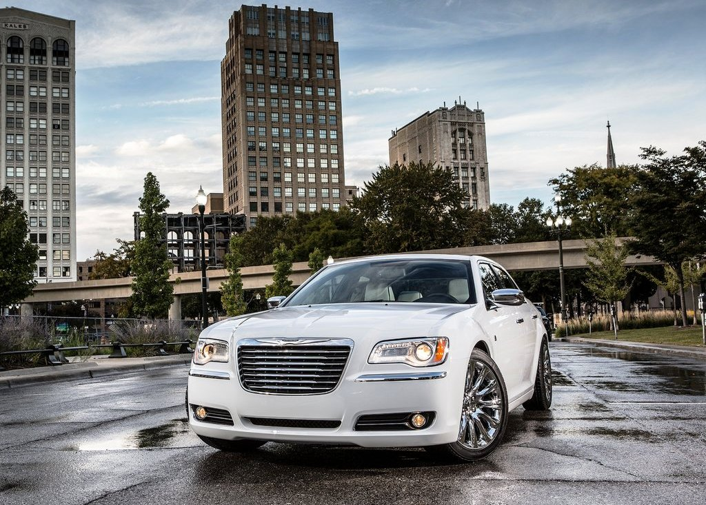 Featured Image of 2013 Chrysler 300 Motown Edition Review