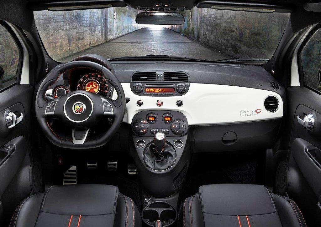 2013 Fiat 500C Abarth Interior (Photo 3 of 6)