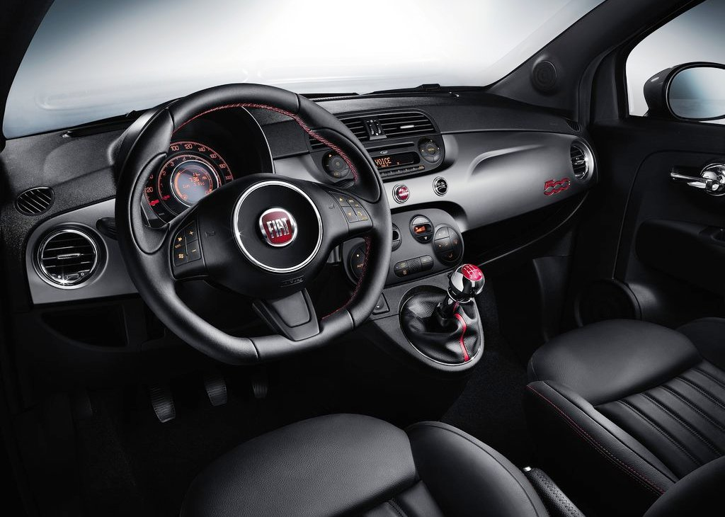 2013 Fiat 500S Interior (Photo 3 of 5)