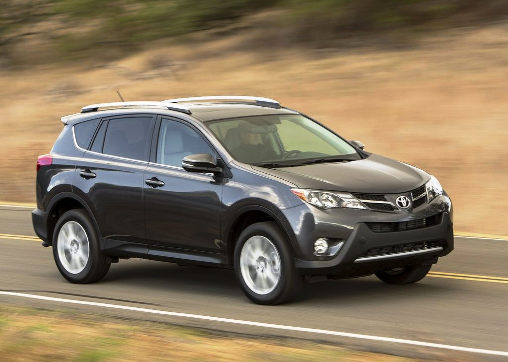 2013 Toyota RAV4 Front Angle (Photo 4 of 8)