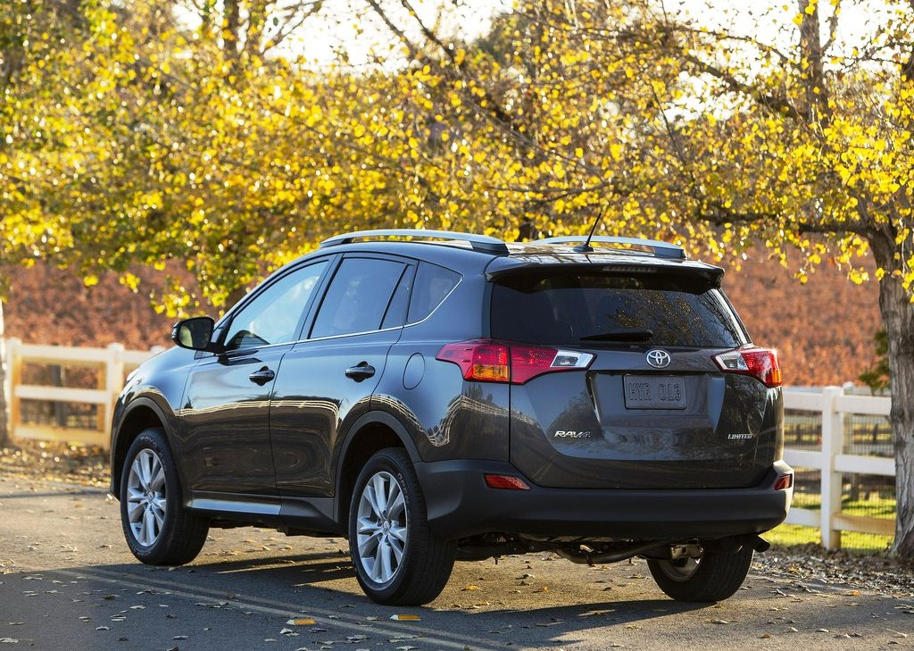 2013 Toyota RAV4 Rear Angle (Photo 6 of 8)