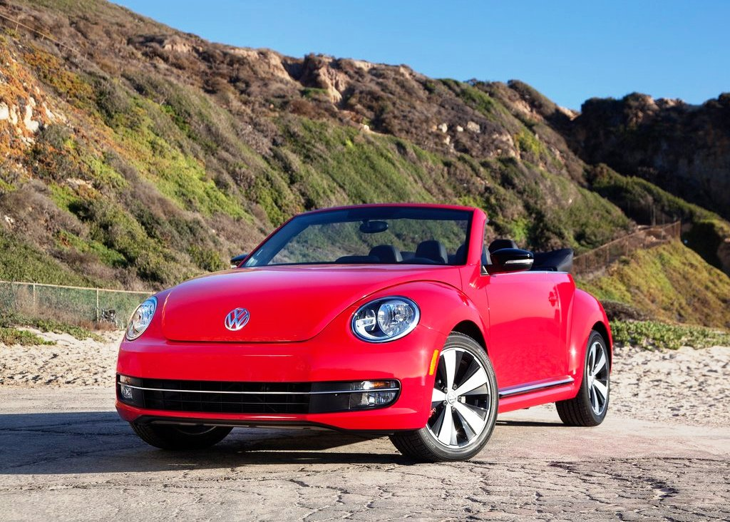 Featured Image of 2013 Volkswagen Beetle Convertible Review