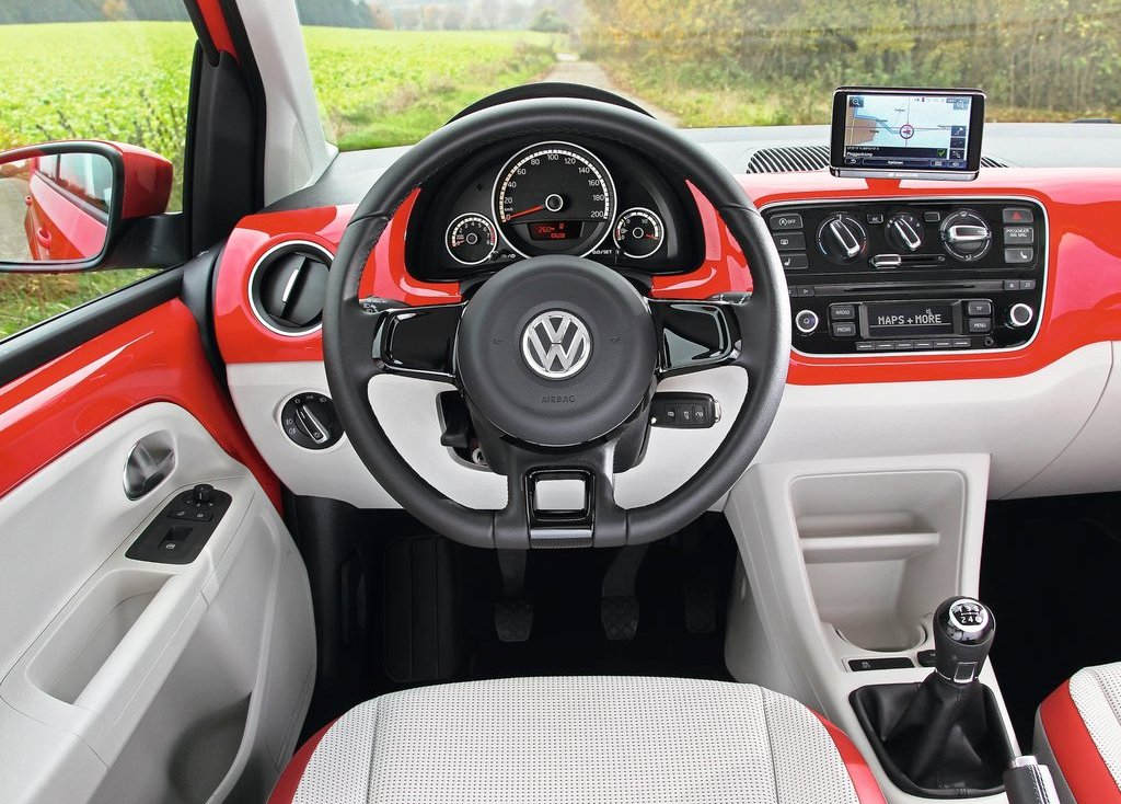 2013 Volkswagen Eco Up Interior (Photo 6 of 7)