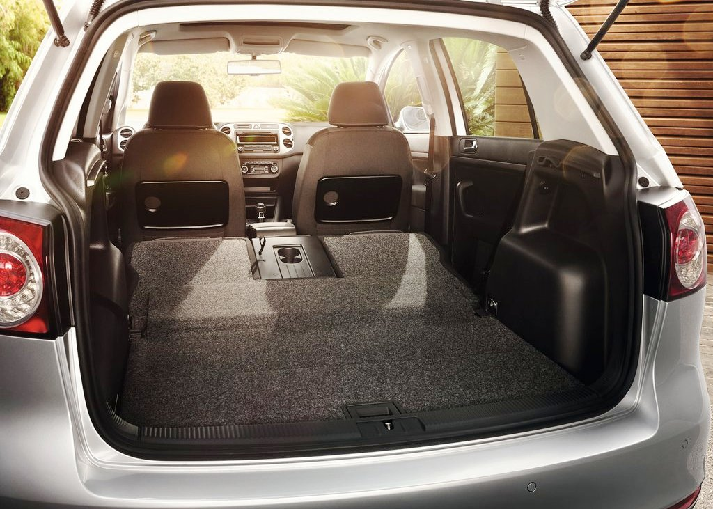 2013 Volkswagen Golf Plus Trunk (Photo 5 of 5)