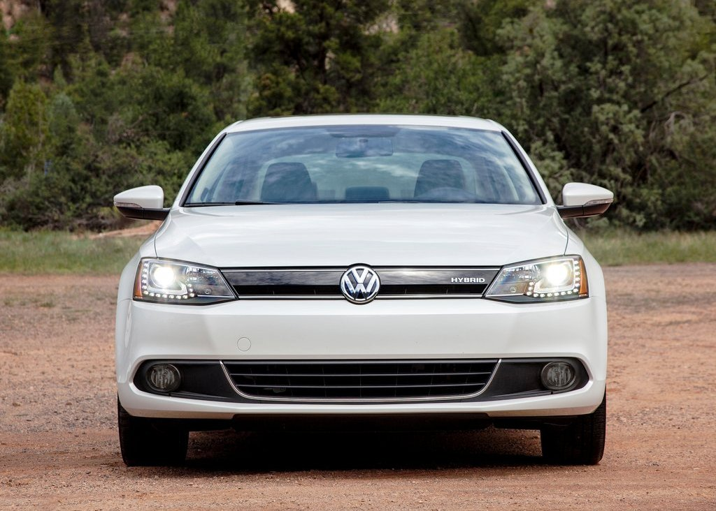 2013 Volkswagen Jetta Hybrid Front View (Photo 4 of 9)