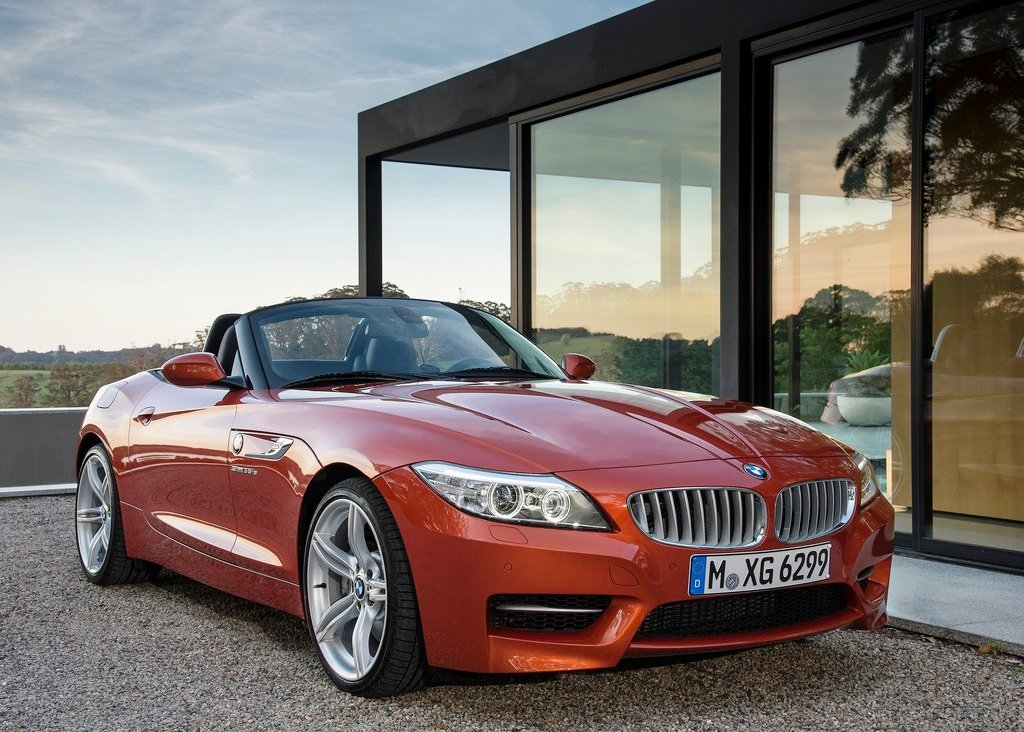 2014 BMW Z4 Roadster Front Angle (View 3 of 9)