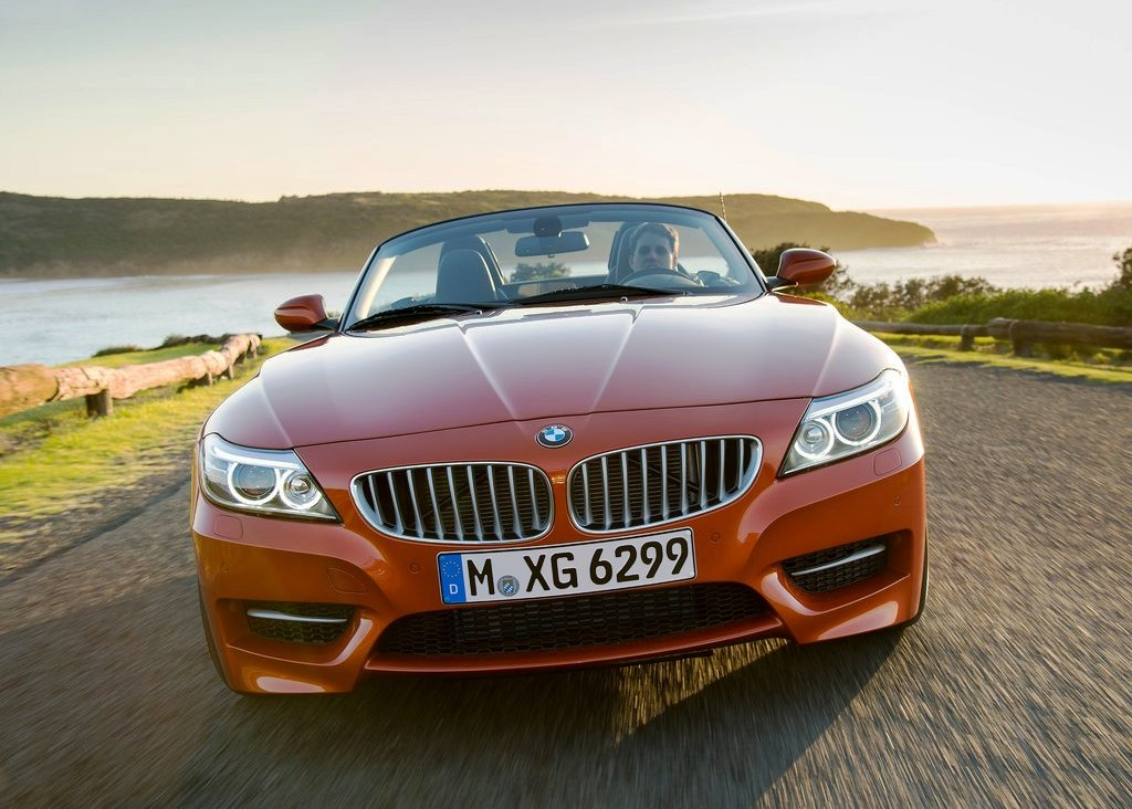 2014 BMW Z4 Roadster Front View (Photo 5 of 9)