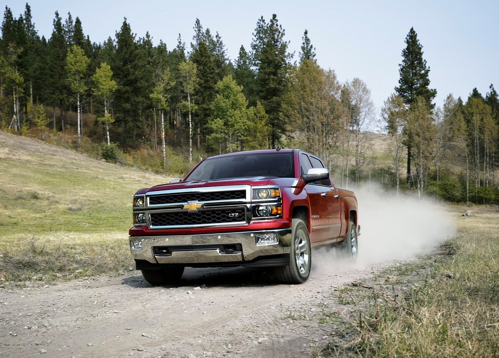2014 Chevrolet Silverado Front Angle (View 2 of 7)