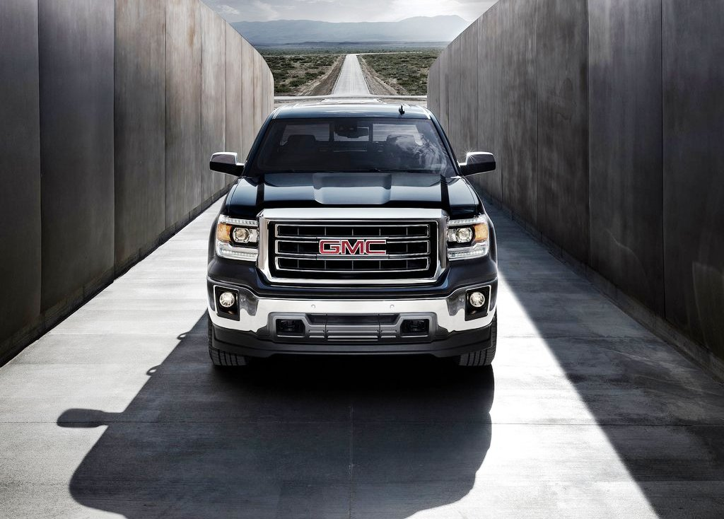 2014 GMC Sierra Front View (Photo 2 of 8)