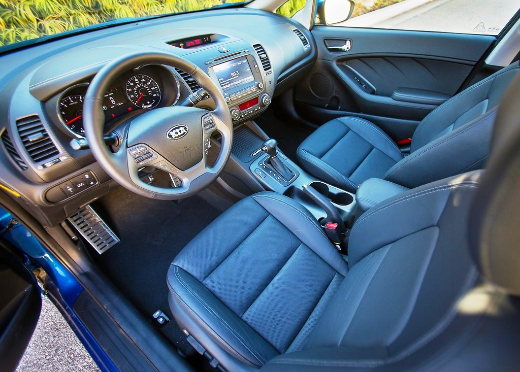 2014 Kia Forte Interior (Photo 5 of 9)
