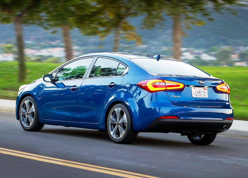 2014 Kia Forte Rear Angle (Photo 6 of 9)