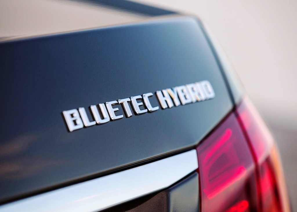 2014 Mercedes Benz E Class Bluetec Hybrid (View 2 of 9)