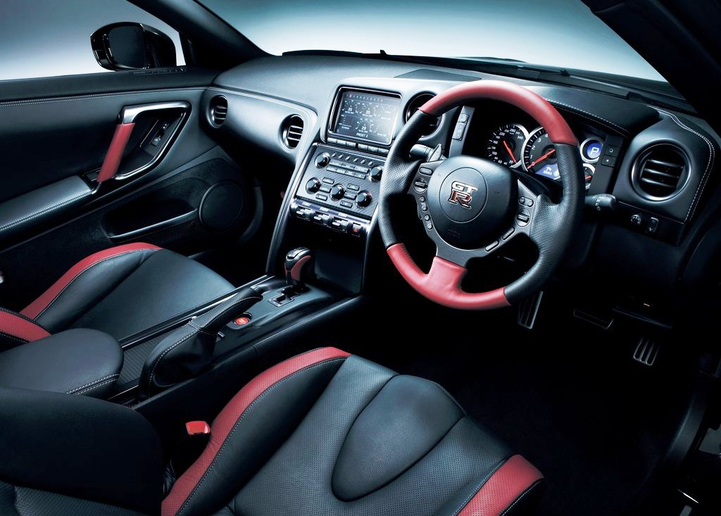 2013 Nissan Gt R Interior (Photo 4 of 9)