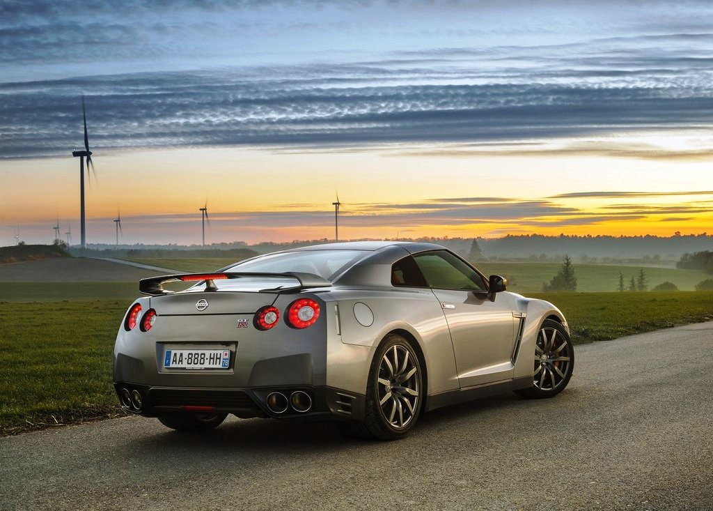 2013 Nissan Gt R Rear (Photo 6 of 9)