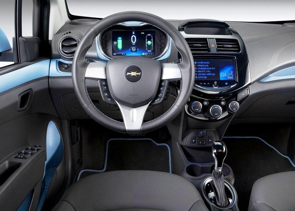 2014 Chevrolet Spark EV Interior (Photo 4 of 6)