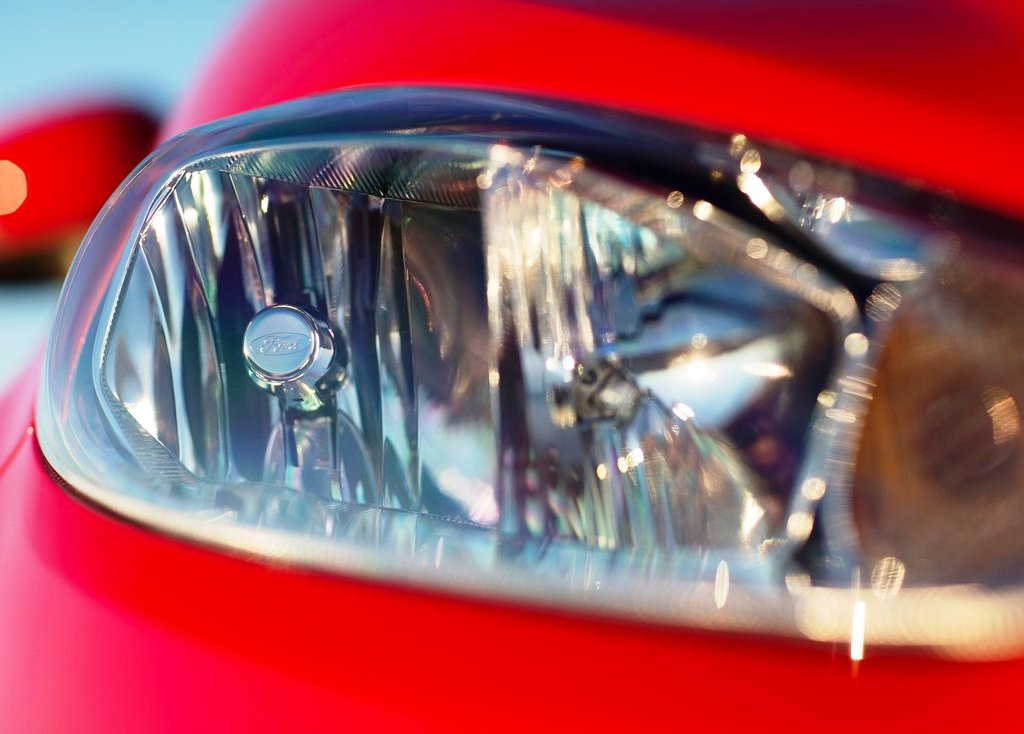 2014 Ford Fiesta Sedan Head Lamp (Photo 3 of 9)