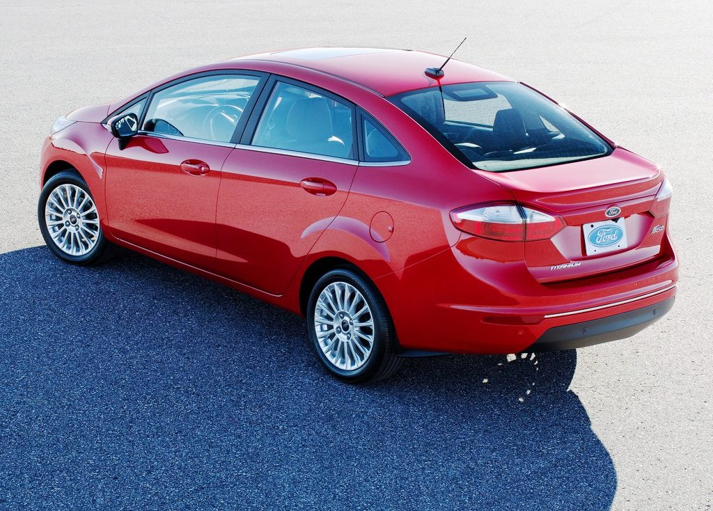 2014 Ford Fiesta Sedan Rear Angle (Photo 7 of 9)