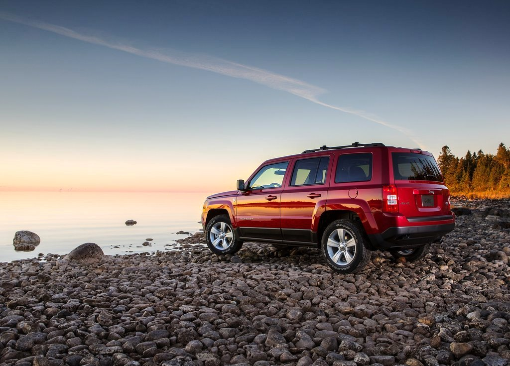 2014 Jeep Patriot Side (View 4 of 6)