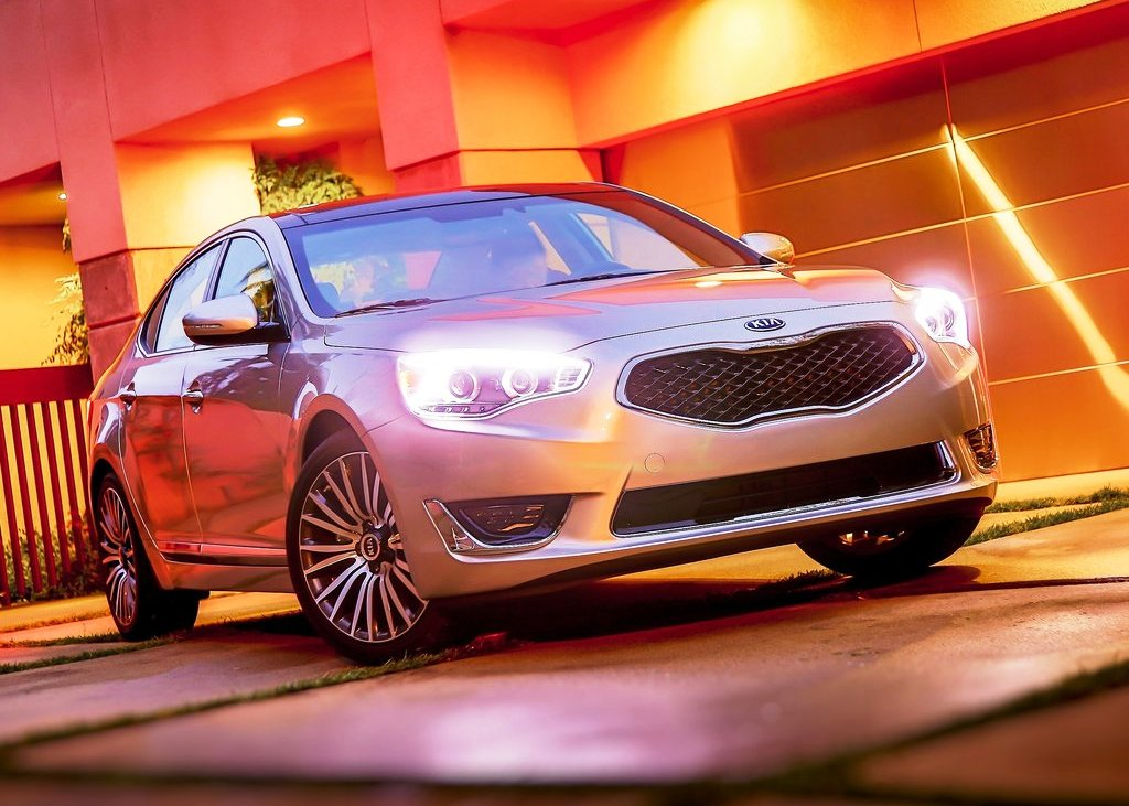 2014 Kia Cadenza Wallpaper (Photo 8 of 8)