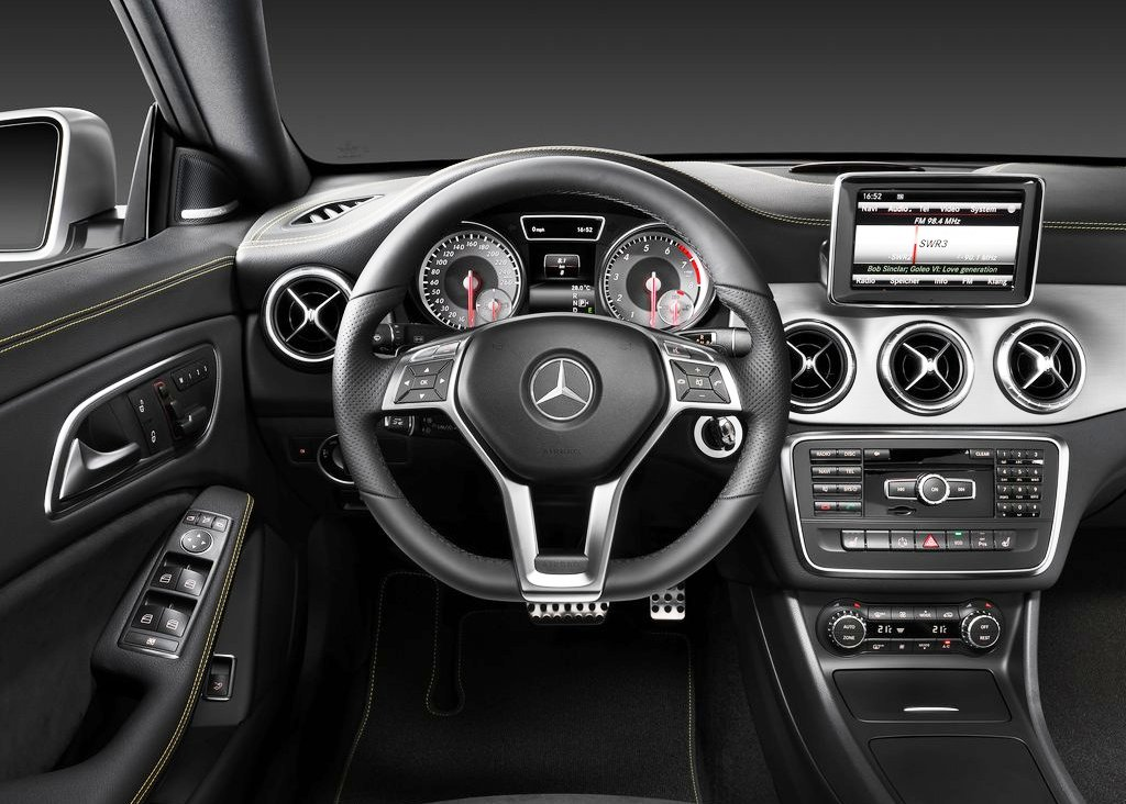 2014 Mercedes Benz Cla Class Interior (Photo 3 of 7)