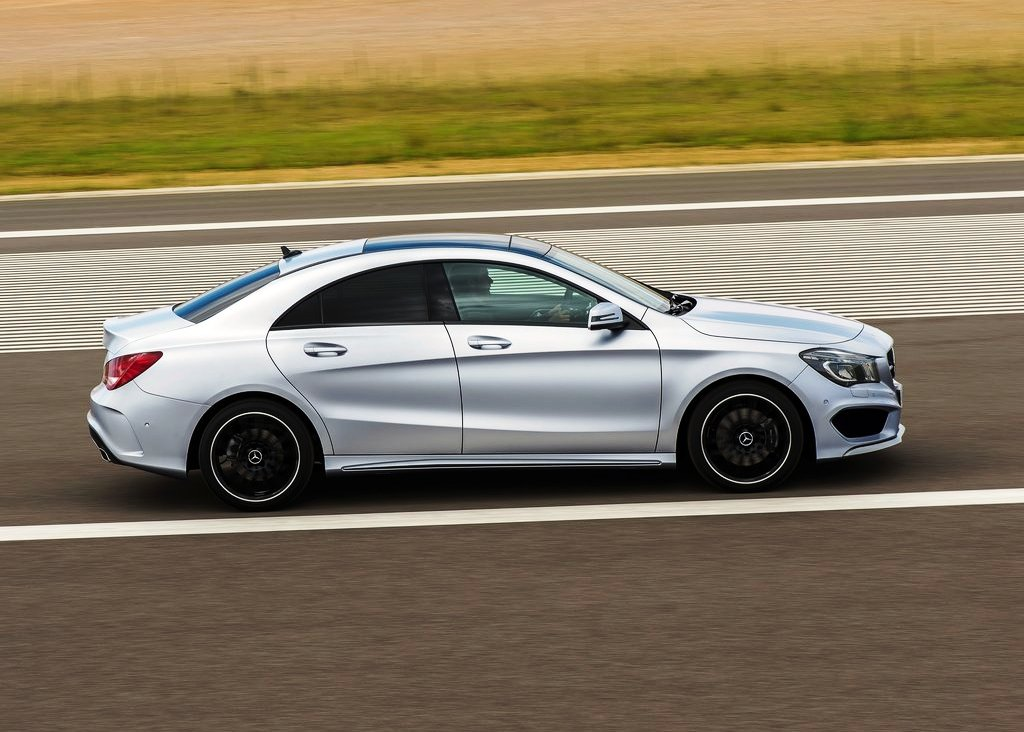 2014 Mercedes Benz Cla Class Side (Photo 6 of 7)