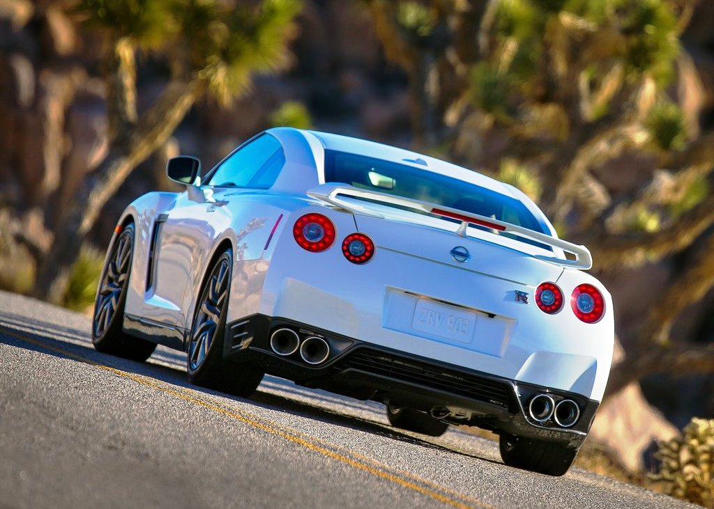 2014 Nissan Gt R Rear (Photo 3 of 6)