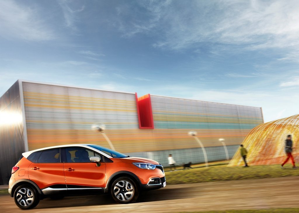2014 Renault Captur Side (View 6 of 7)