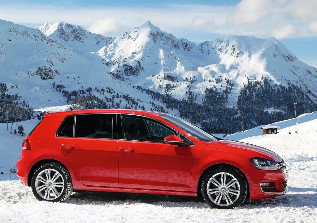 2014 Volkswagen Golf 4motion Side View (Photo 7 of 8)