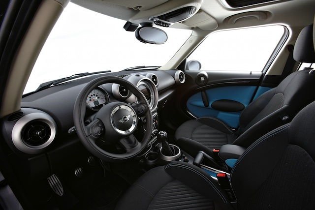 Mini All4 Countryman Interior (Photo 4 of 7)