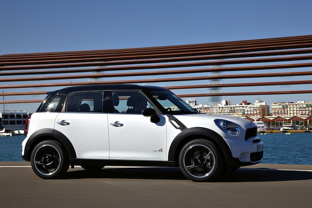 Mini All4 Countryman Side (Photo 6 of 7)