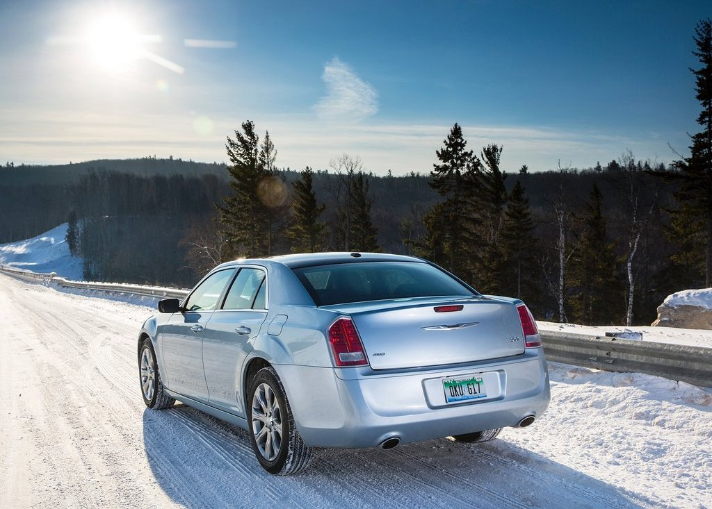 2013 Chrysler 300 Glacier Rear (Photo 3 of 5)