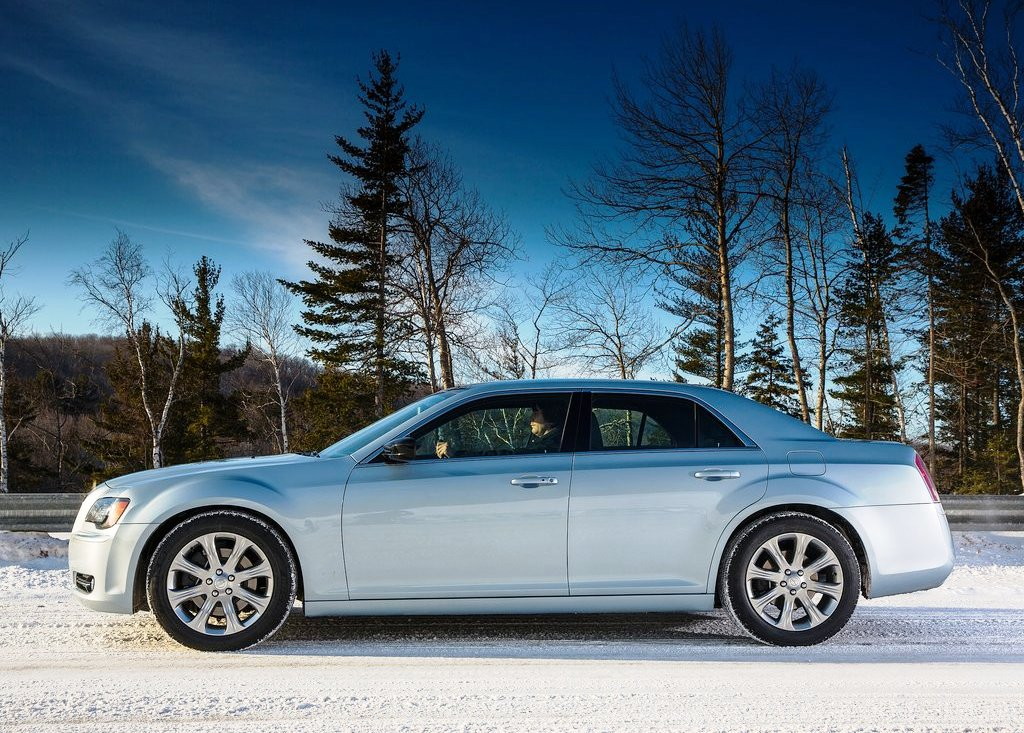 2013 Chrysler 300 Glacier Side View (View 3 of 5)