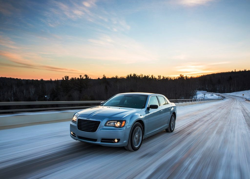 2013 Chrysler 300 Glacier Wallpaper (Photo 5 of 5)