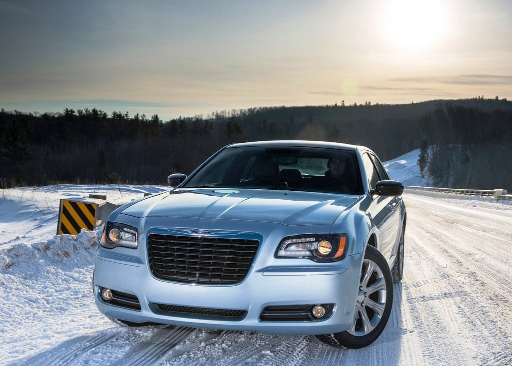 2013 Chrysler 300 Glacier (Photo 1 of 5)