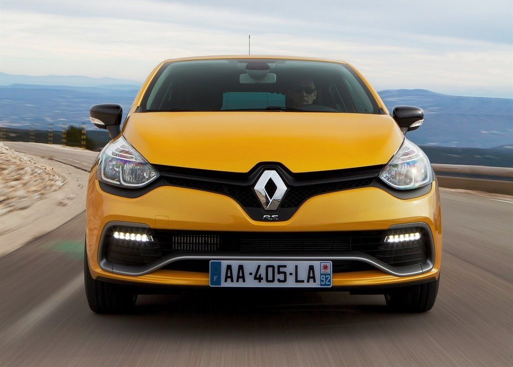 2013 Renault Clio RS 200 Front (Photo 2 of 6)