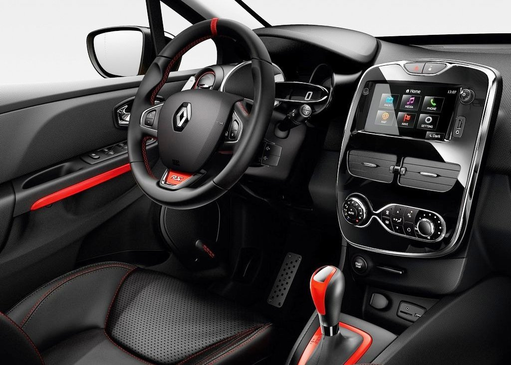 2013 Renault Clio RS 200 Interior (Photo 3 of 6)