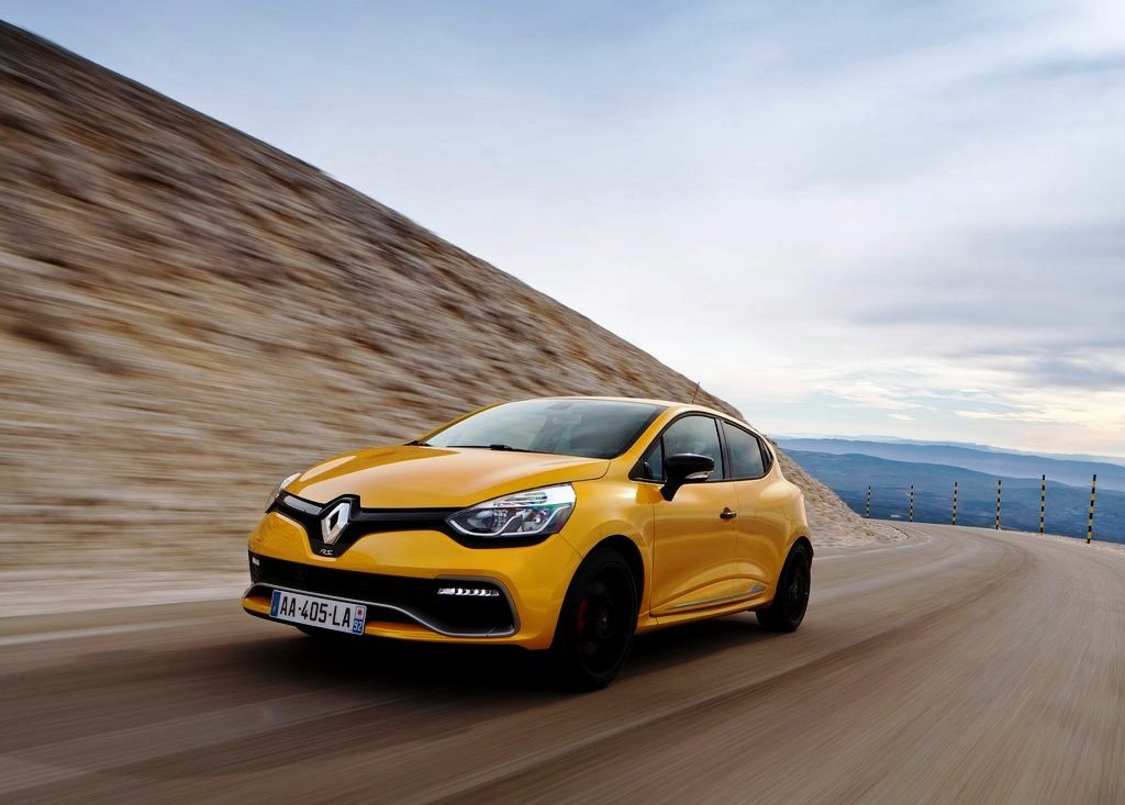 2013 Renault Clio RS 200 Pictures (Photo 4 of 6)