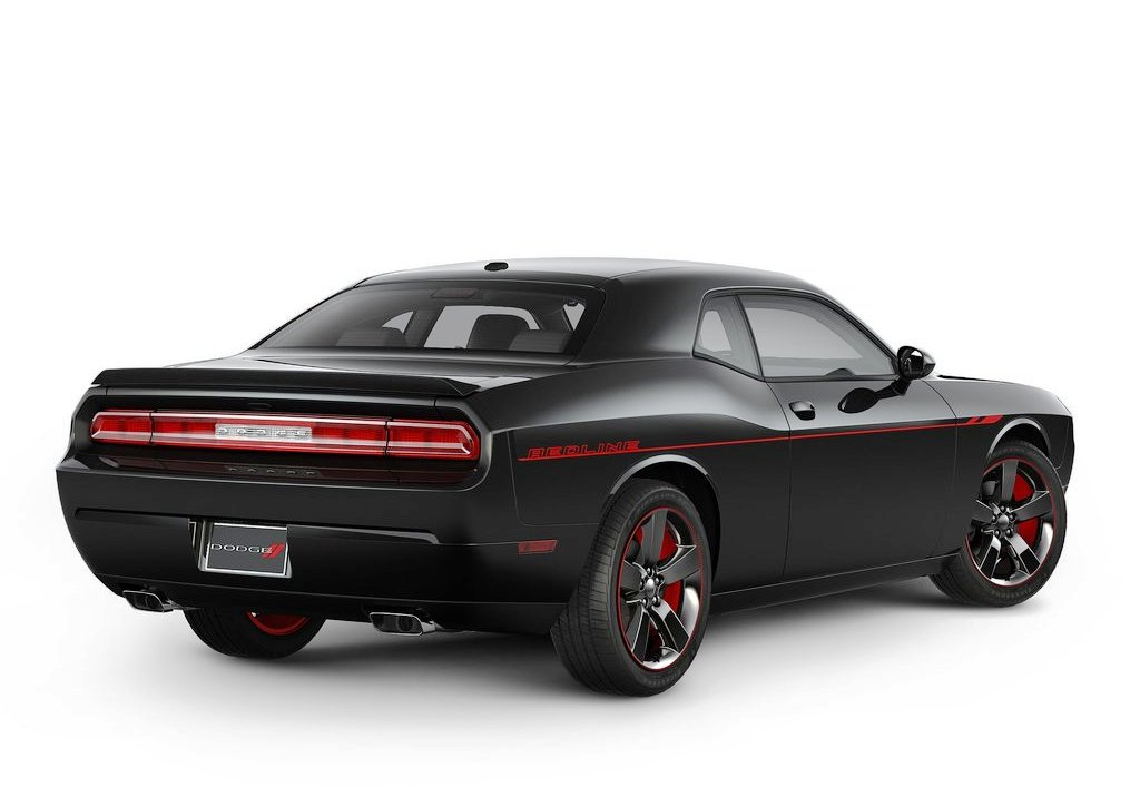 2013 Dodge Challenger Rt Exterior (Photo 2 of 4)