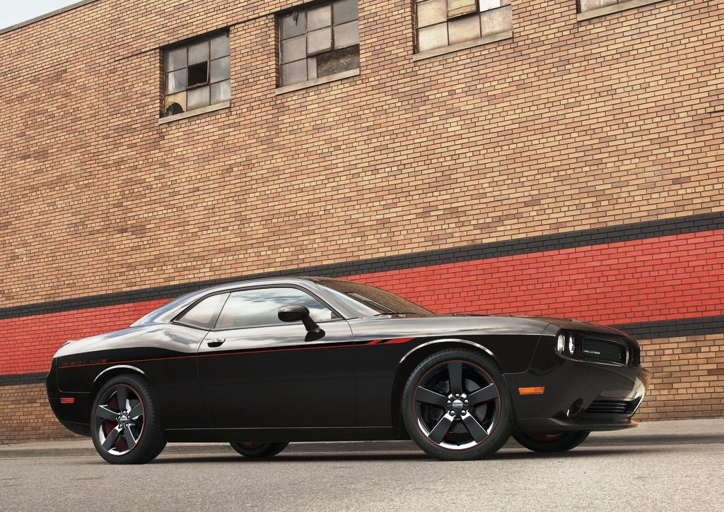Featured Image of Dodge Challenger RT Redline (2013) Comes At Chicago Auto Show