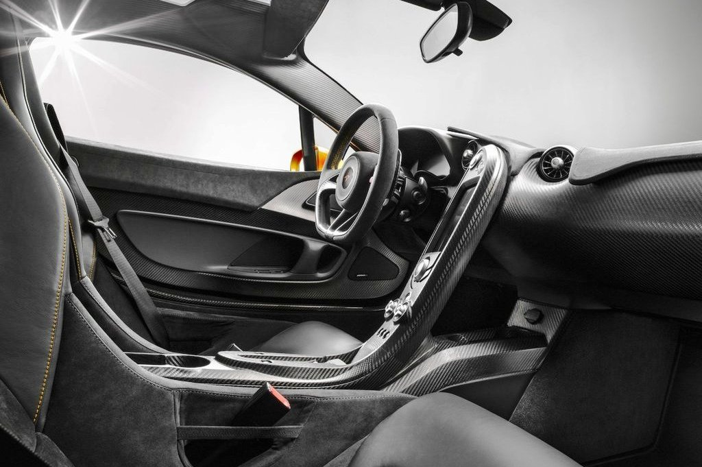 2014 McLaren P1 Interior (Photo 3 of 7)